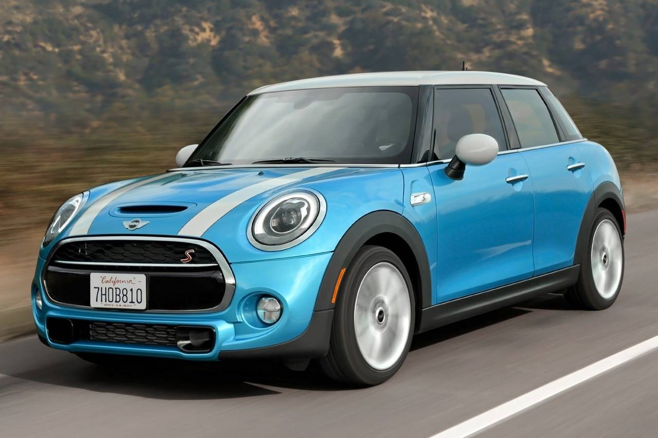 2017 Mini Cooper in blue