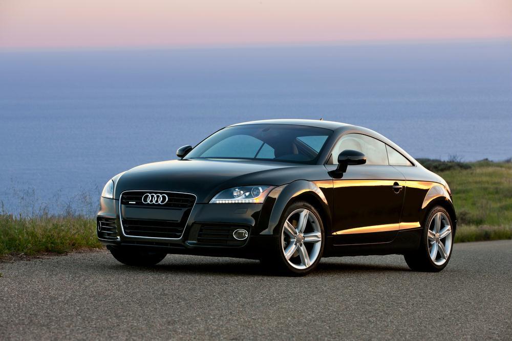 Audi TT in black