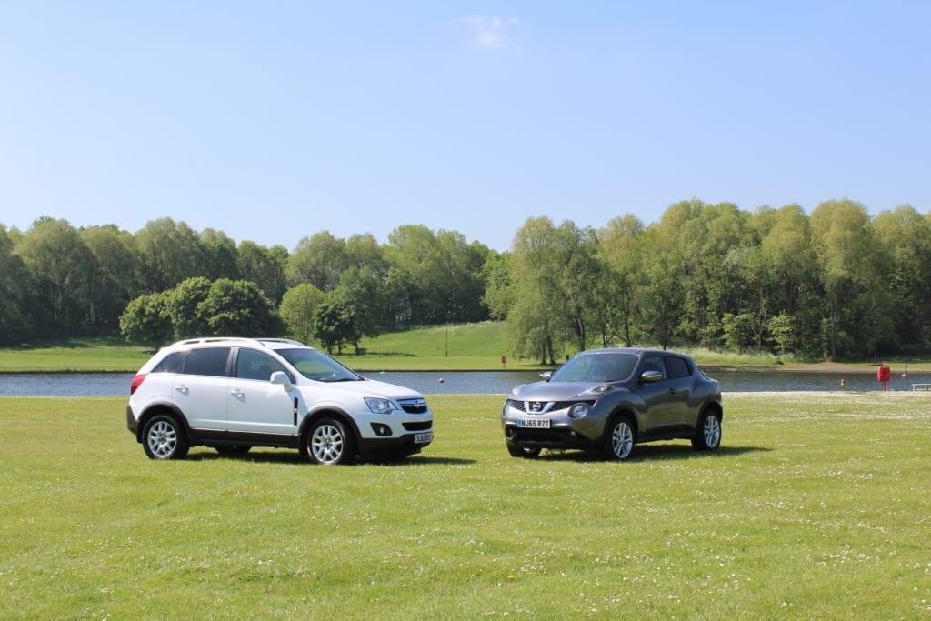 cars on lakeside