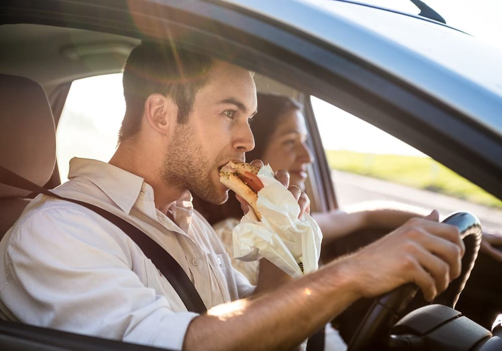 is it illegal to eat while driving?