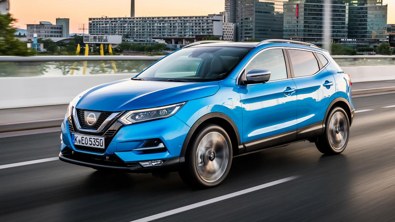 Blue Nissan Qashqai 2017